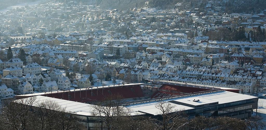 卑爾根 (Photo by Aqwis, License: CC BY-SA 3.0, Wikimedia Commons提供)