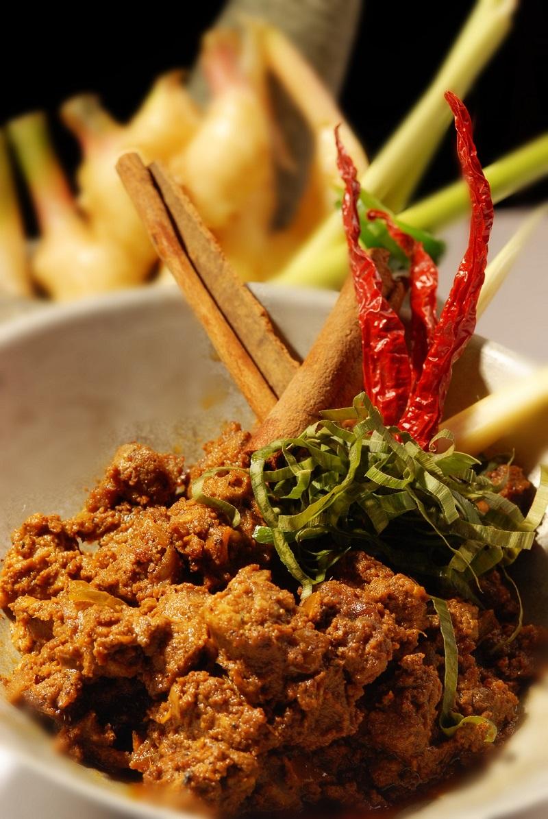 CNN Travel評選的全球第一美食「仁當」,是馬來人正式場合時的桌上佳餚。(圖/馬來西亞觀光局)