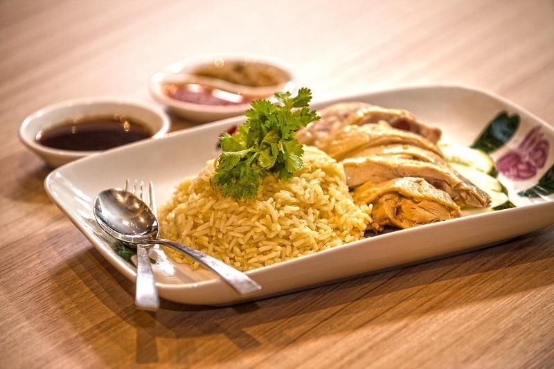在台灣也經常看見的海南雞飯,可說是馬來西亞華人的「滷肉飯」等級國民美食。(圖/馬來西亞觀光局)