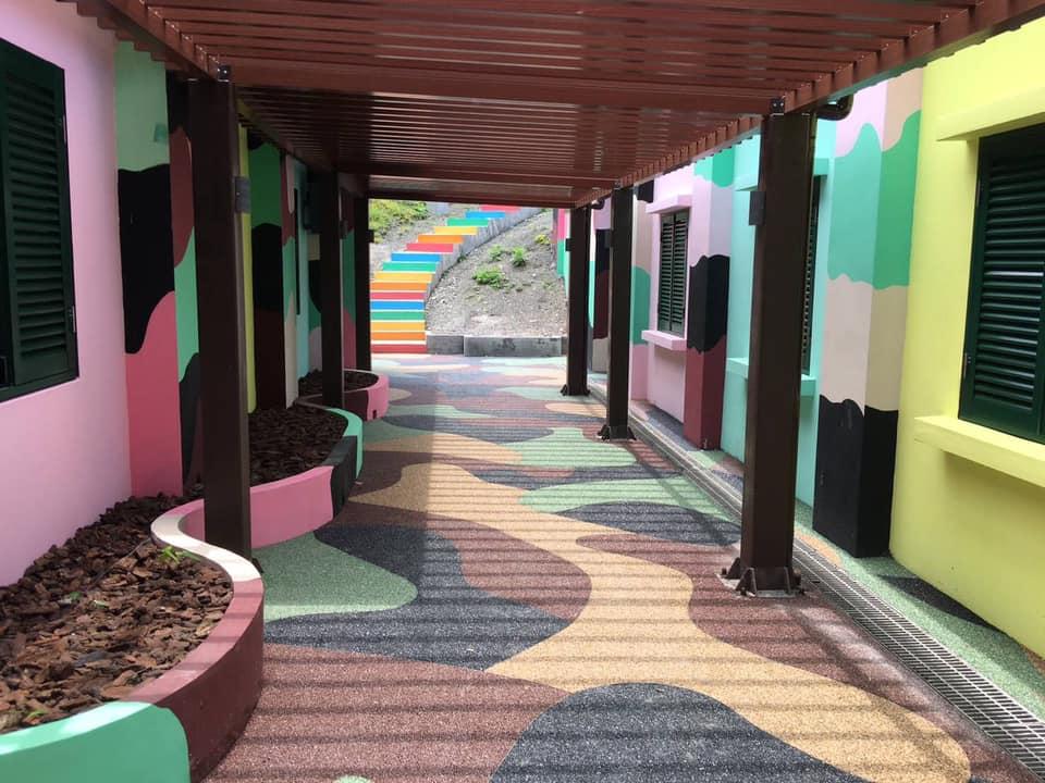 營區及彩虹階梯(圖片來源:東北角之友FB)