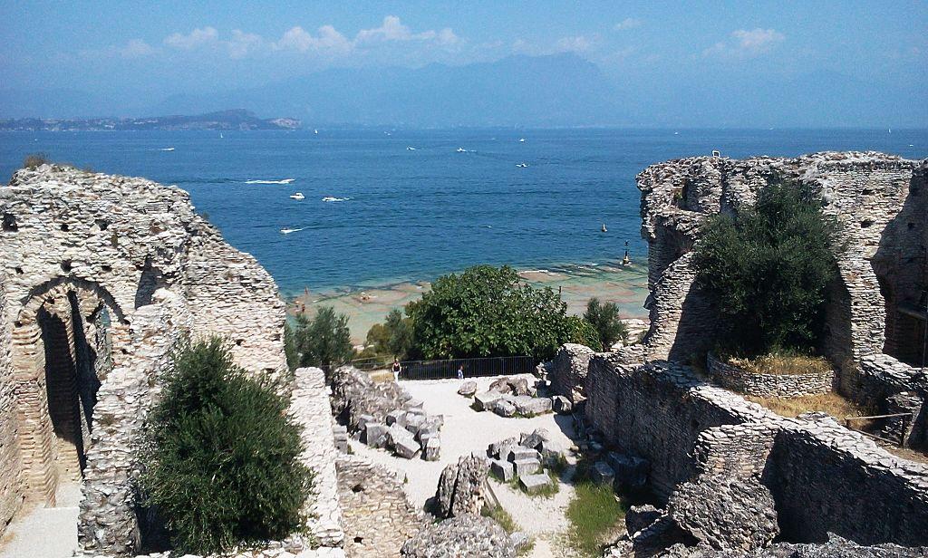 卡圖洛石窟 (Photo by Olena Didenko, License: CC BY-SA 4.0, Wikimedia Commons提供)