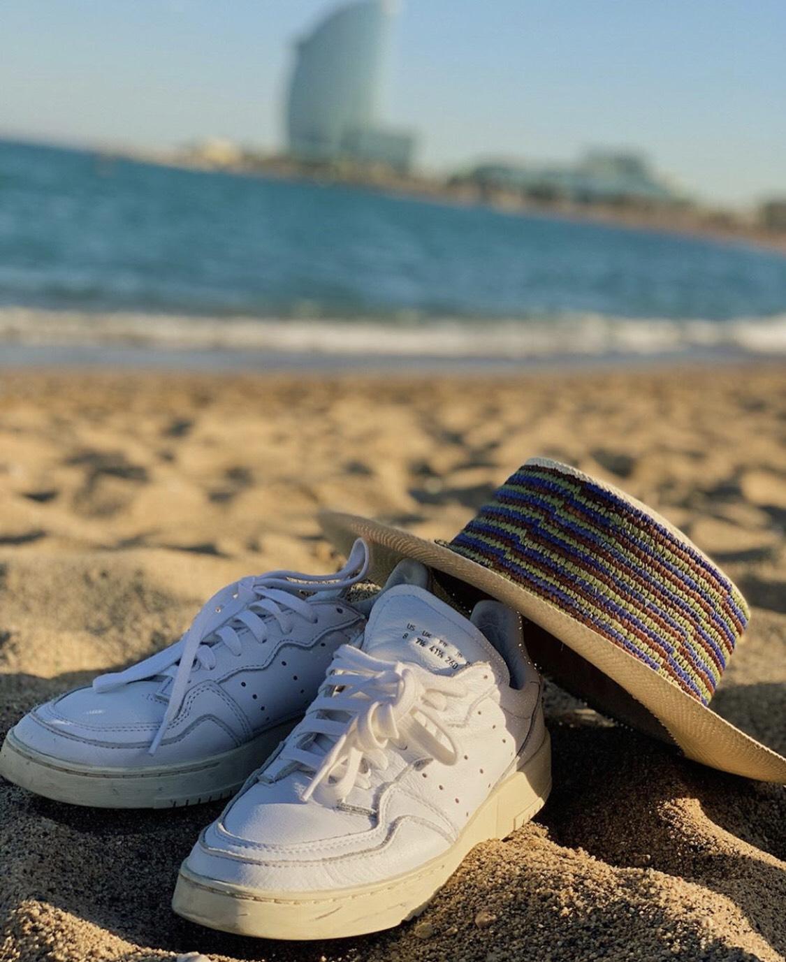 ▲大家在巴塞隆納的海灘自然裸露曬太陽,讓阿蹦留下深刻印象。