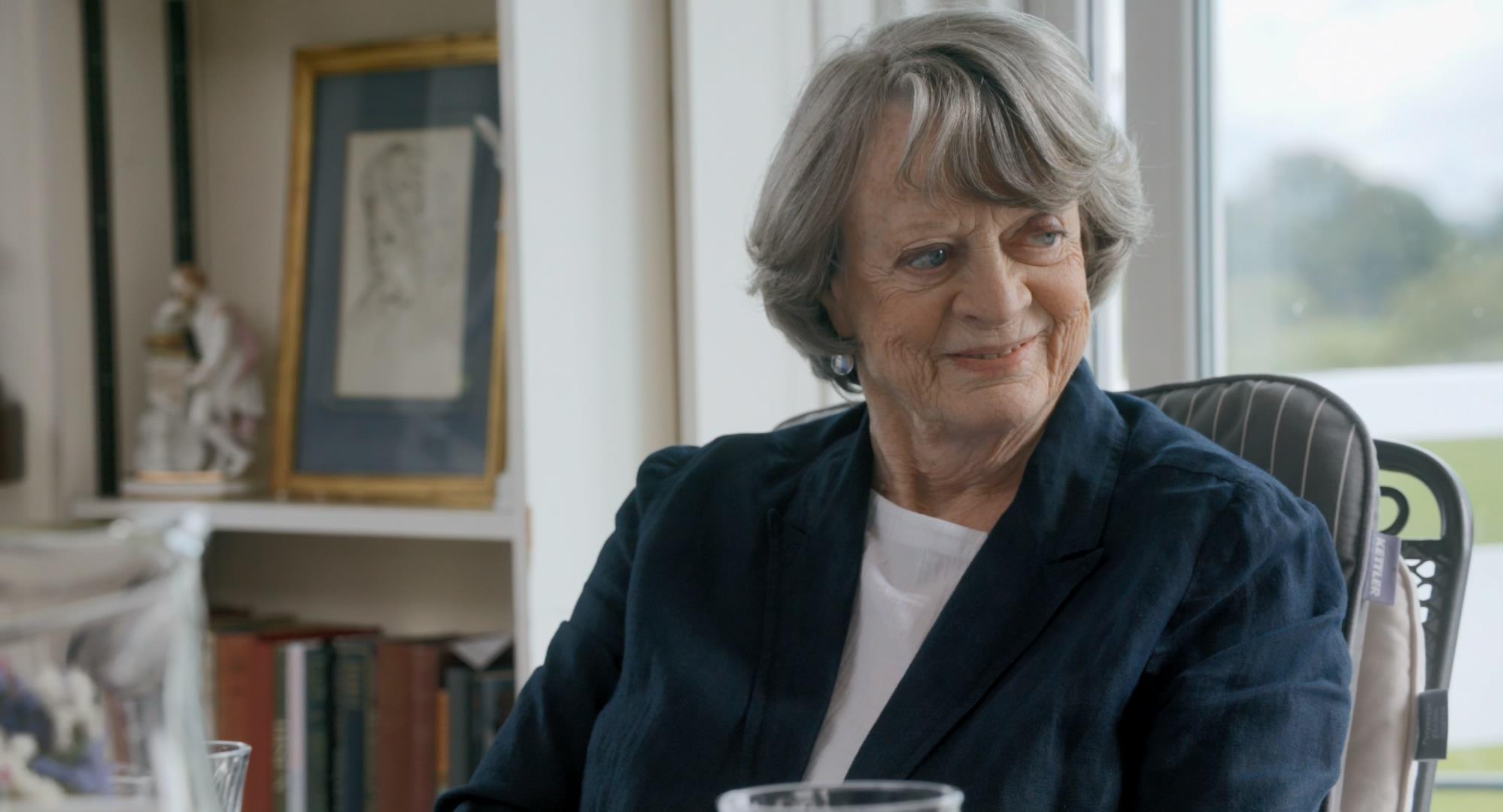 金獎女星瑪姬史密斯在電影《女神們的下午茶》大爆離婚秘辛