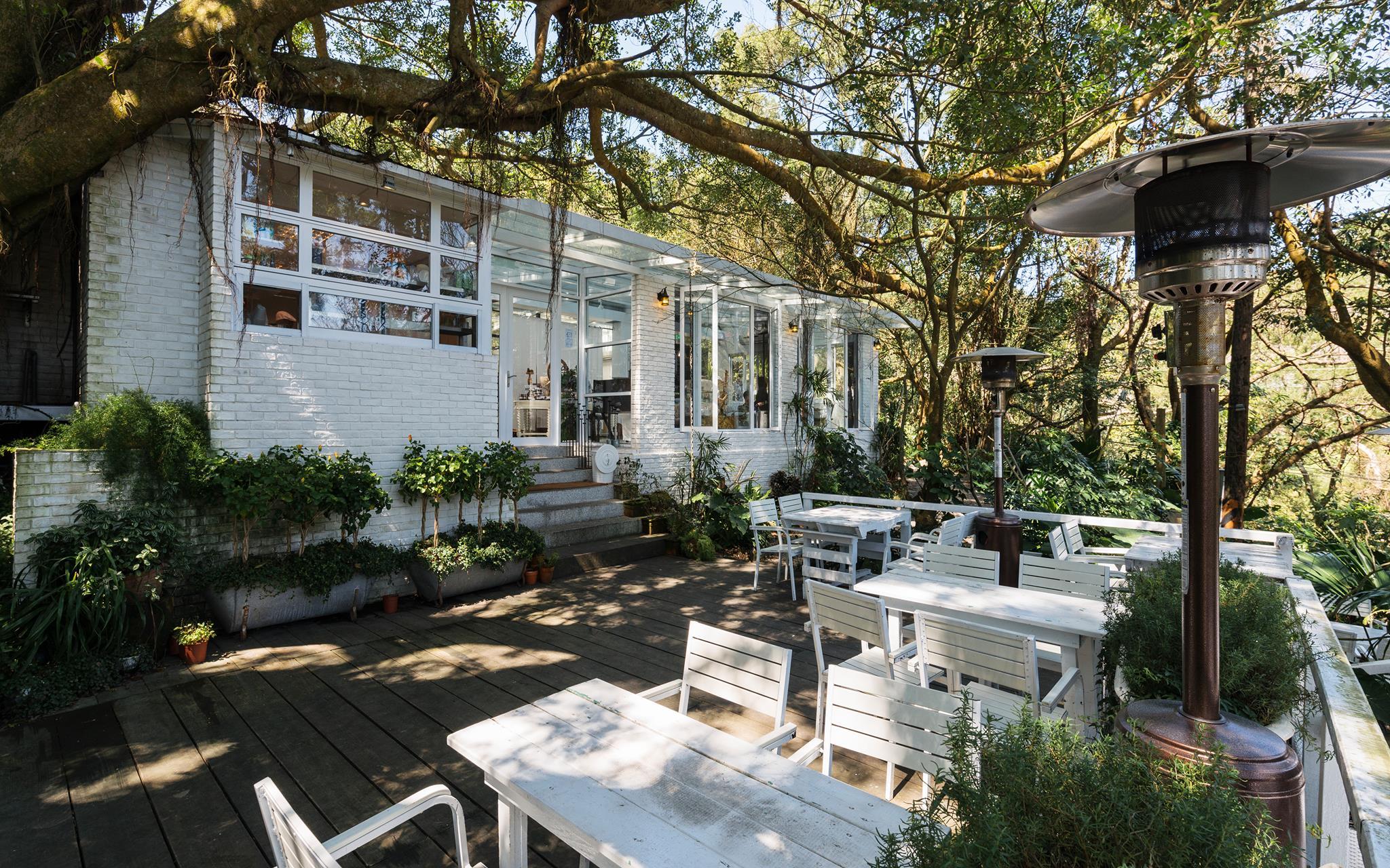 好樣秘境是一間特色景觀餐廳,白色玻璃屋夢幻又唯美。圖/好樣秘境臉書粉絲專頁