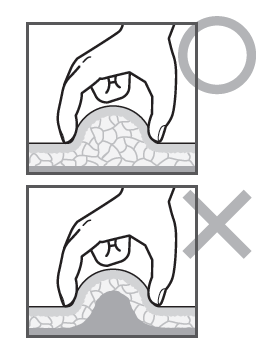 鎖骨按揉的要點(鎖骨按揉的要點圖) 捏起肌肉上方的皮膚和脂肪。只捏住表面皮膚NG