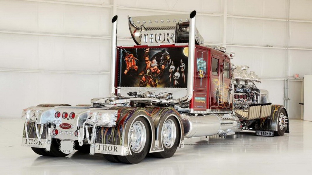 圖/照片中這輛名為Thor 24的拖車頭,超華麗風格彷彿像從電影變形金剛走出來,要價1,200萬美金、約為3.6億台幣。