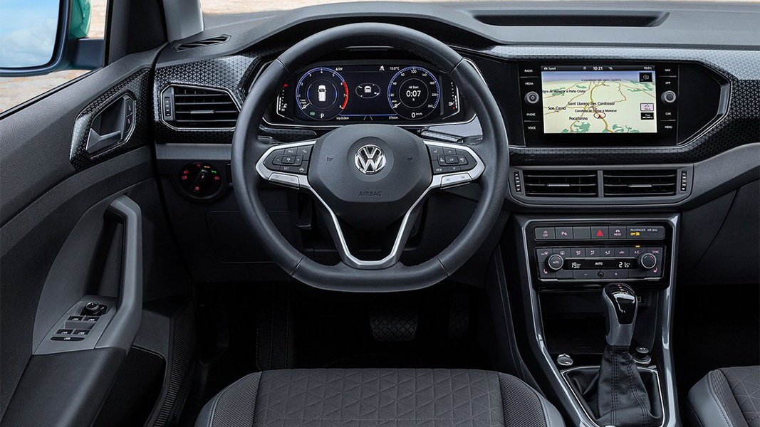 圖/2020 Volkswagen T-Cross 230 TSI Life提供黑、橘與深綠三款Design套件,透過多樣化顏色組合,為車主打造個性化都會風格。