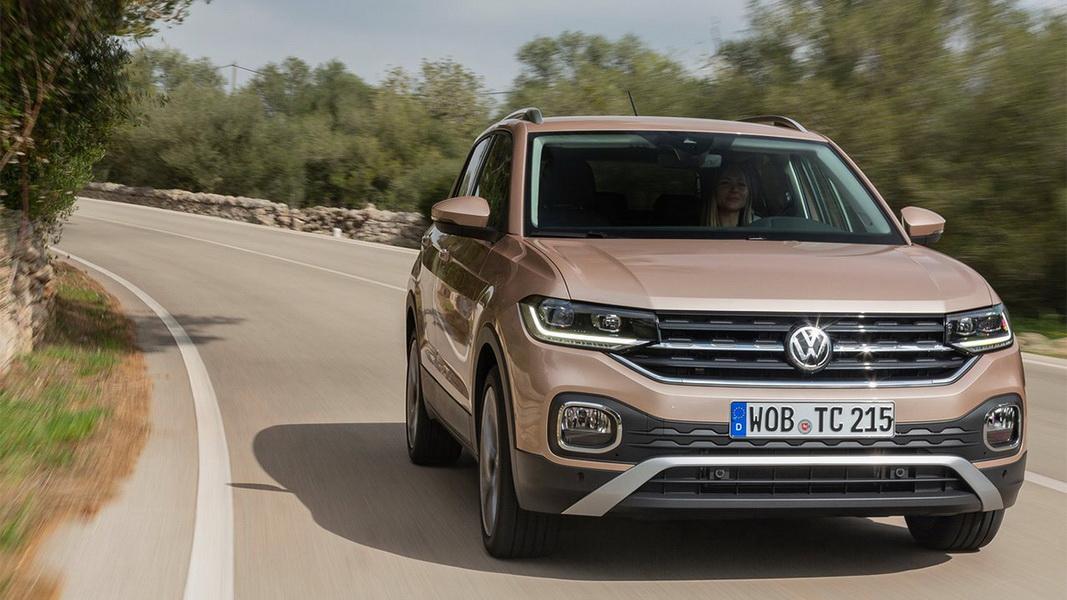 圖/2020 Volkswagen T-Cross 230 TSI Life車頭最吸睛的,就是張力十足的前保險桿,展現出家族T字輩獨特設計語彙。
