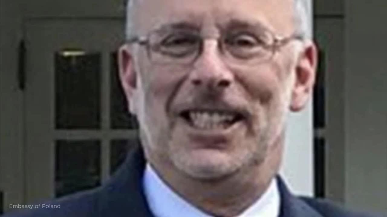 Judge dismisses impeachment suit from ex-White House aide