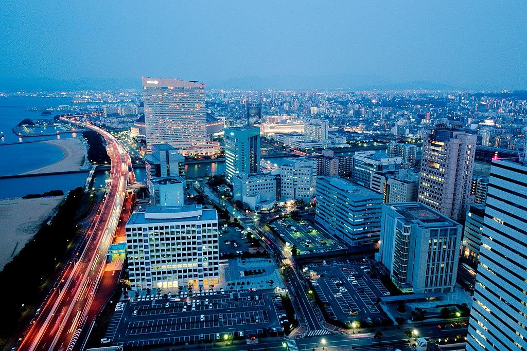 福岡 (Photo by Steffen Flor, License: CC BY-SA 4.0, Wikimedia Commons提供)