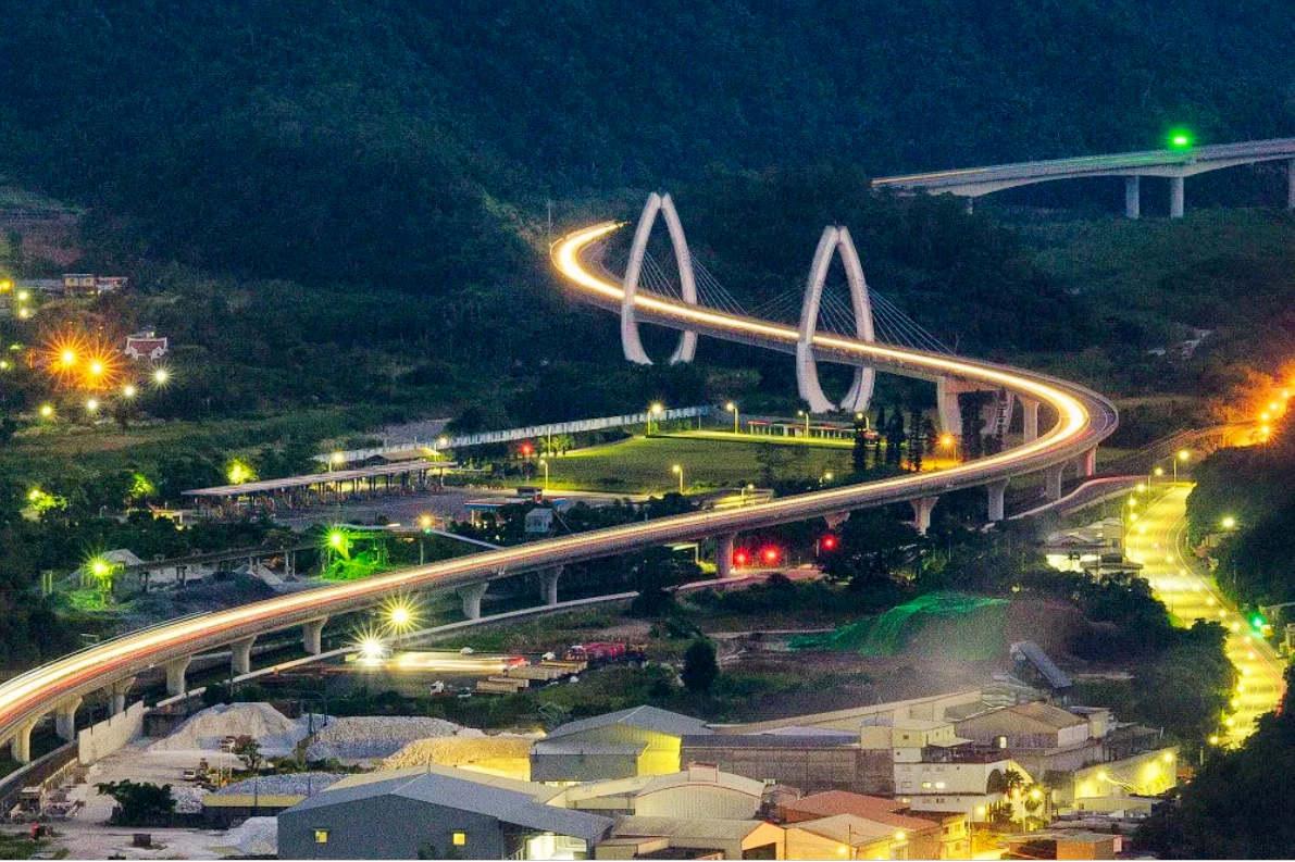 白米甕景觀橋夜景(圖片來源:「票選台灣最美十大景觀公路」活動網站)