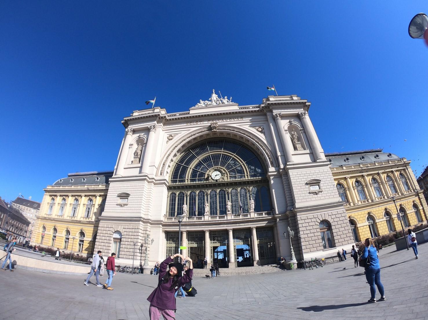 ▲趙小僑建議,飯店最好訂在布達佩斯的中央車站附近,出入比較方便。
