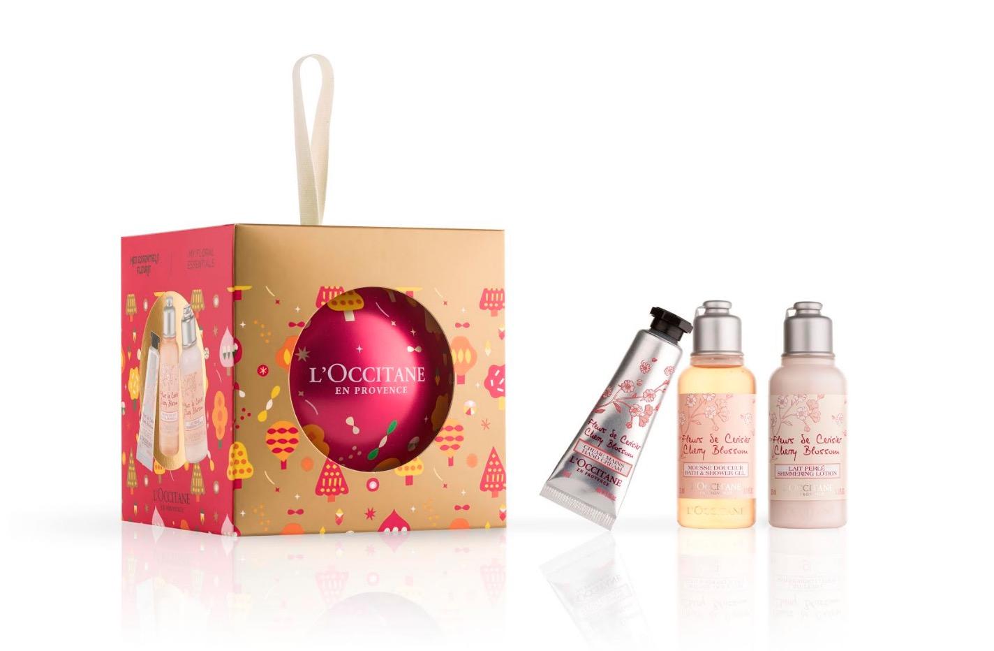 甜美可愛的櫻花紅色系彩球包裝中包藏最受亞洲女性喜愛的櫻花系列。