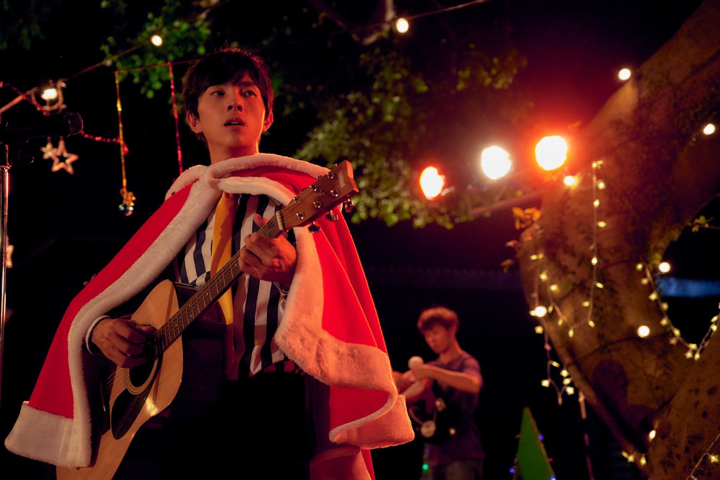 謝博安飾演擁有歌唱天賦的學生李東朔