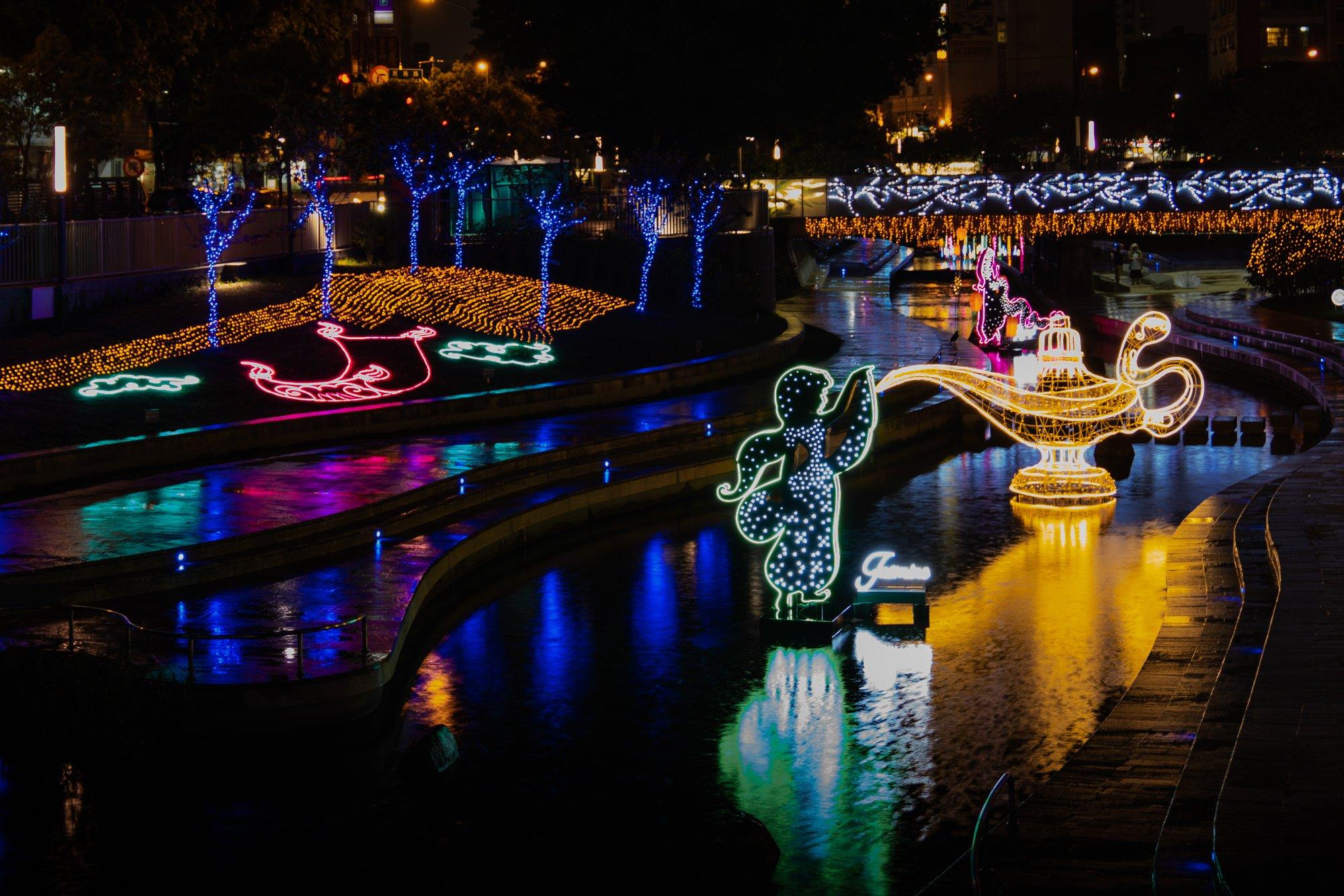 台中耶誕夢想世界共有三大展區,柳川以公主系列為主軸。圖/漾台中臉書粉絲專頁