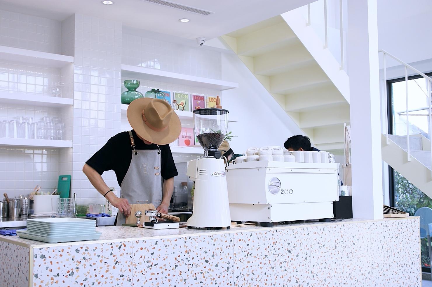 Stunning Cafe