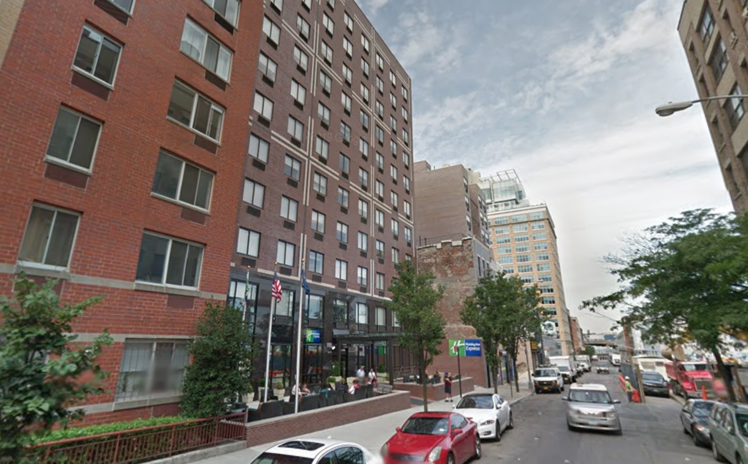Anastasia reportedly fell ill at the Holiday Inn Express in Midtown Manhattan. (Google)