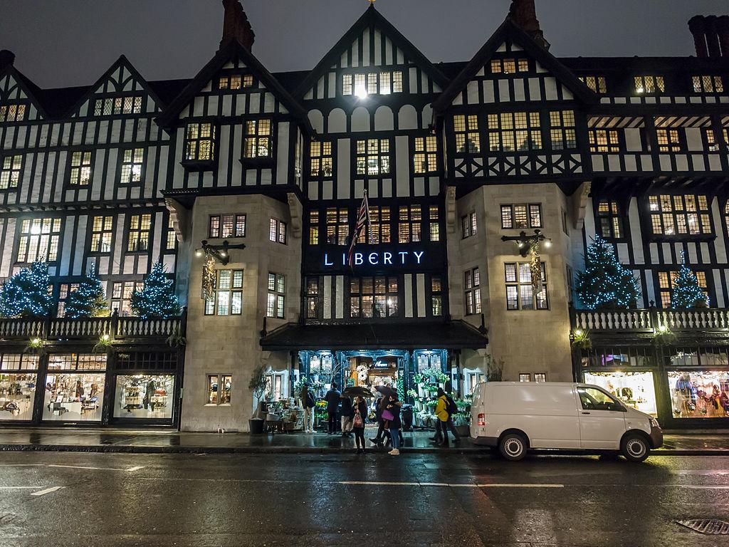 利柏帝百貨 (Photo by James Petts from London, England, License: CC BY-SA 2.0, 圖片來源www.flickr.com/photos/14730981@N08/8370742572)