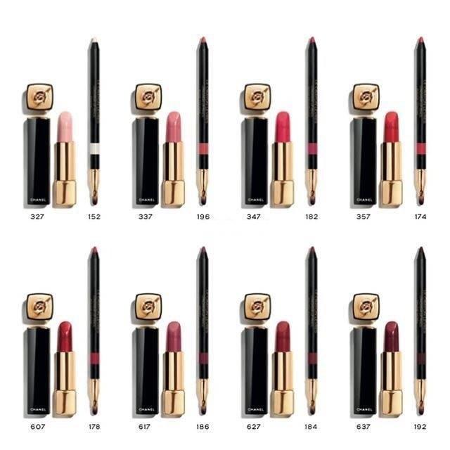 與唇膏同步推出的還有同色唇線筆,讓女孩可以隨心所欲打造出不同的唇彩妝感