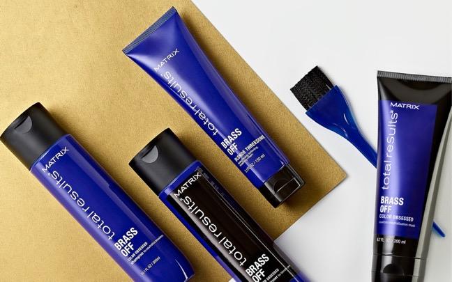 想維持完美持色,就交給專業髮品品牌Matrix美奇絲推出的矯色洗系列