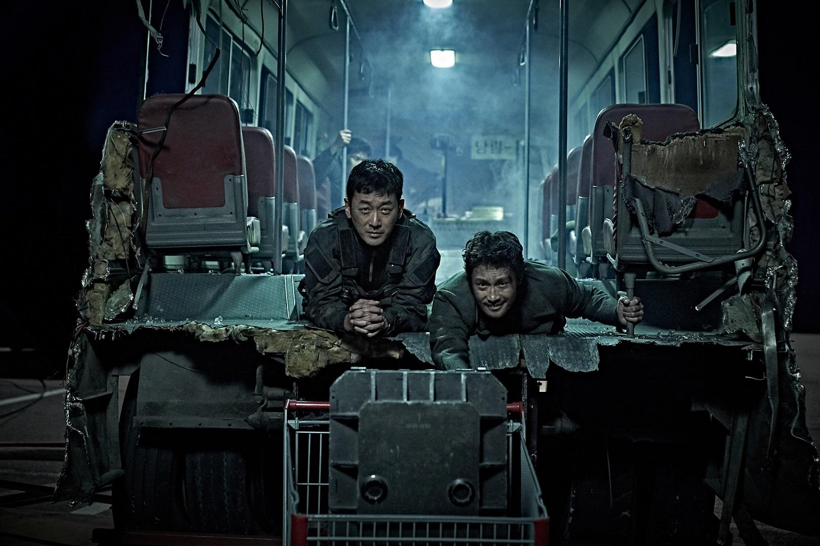 河正宇、李炳憲、馬東石三強夢幻共演年度壓軸最強作品