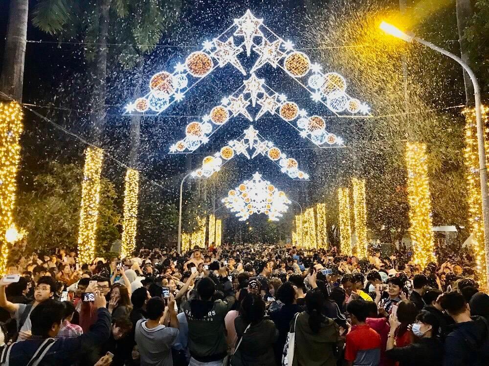 南台灣下雪了!屏東公園化身冰雪奇緣城堡美出新高度