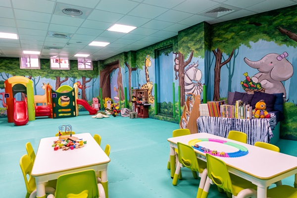 頂樓設有兒童遊憩區。攝影/盧大中