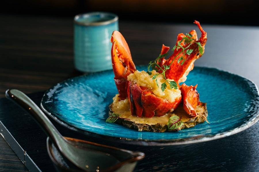 霸王豪宴蝦選用波士頓活龍蝦煎熟。攝影/Ray