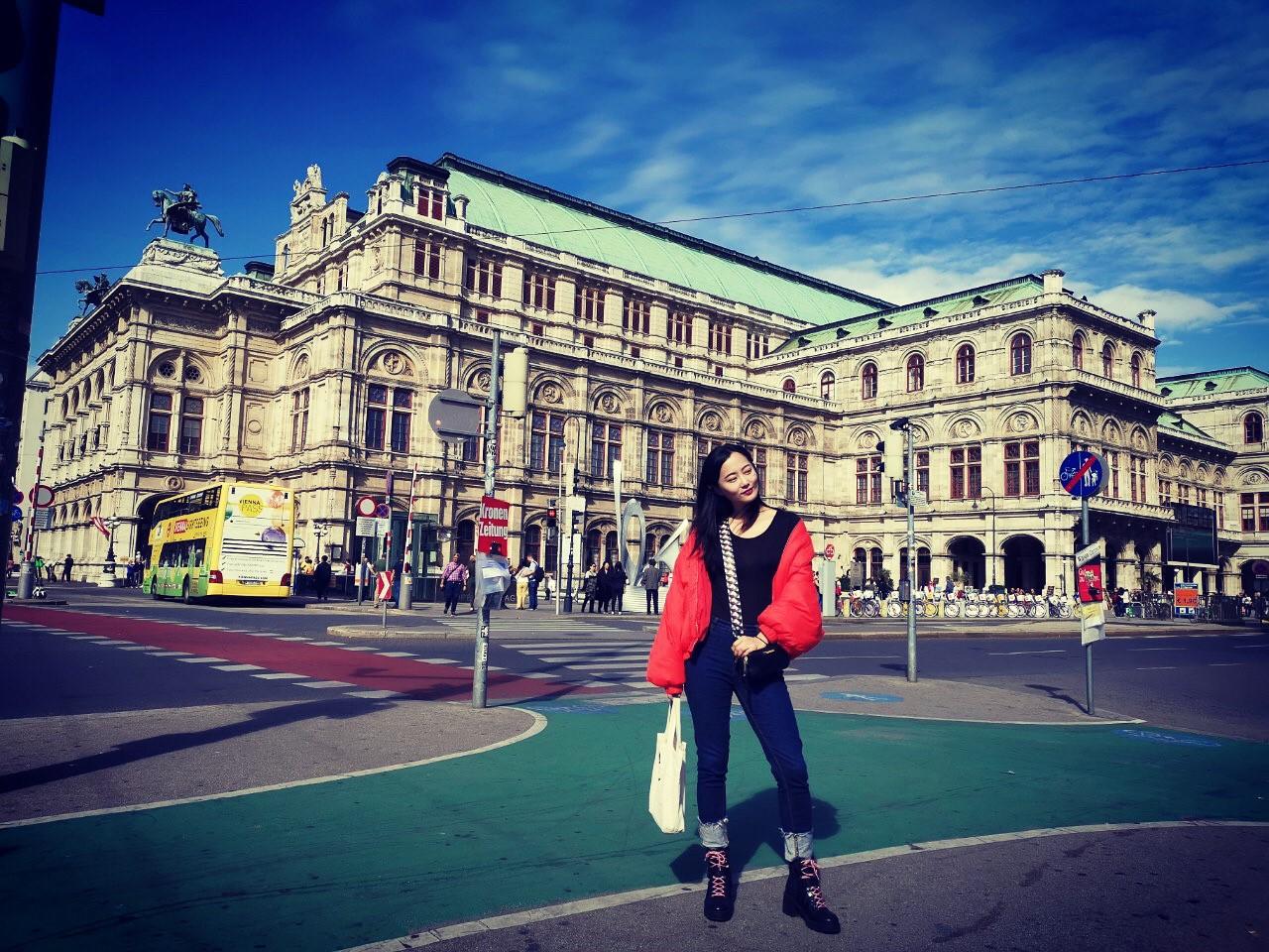 ▲喜愛音樂劇的趙小僑,這次也去維也納歌劇院欣賞歌劇。