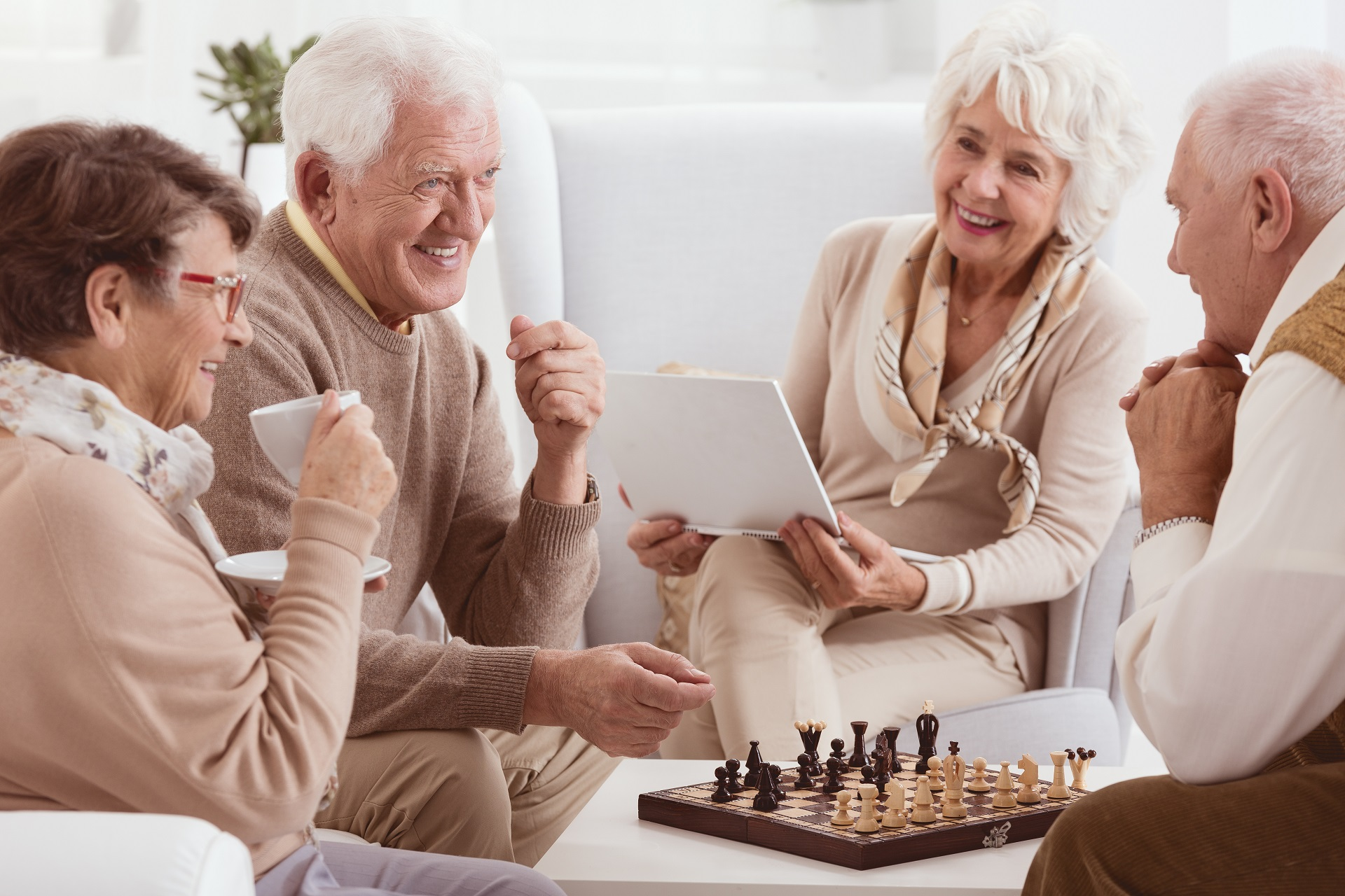 小額終老保險究竟在紅什麼?「不只銀髮族,年輕人也適合買!」