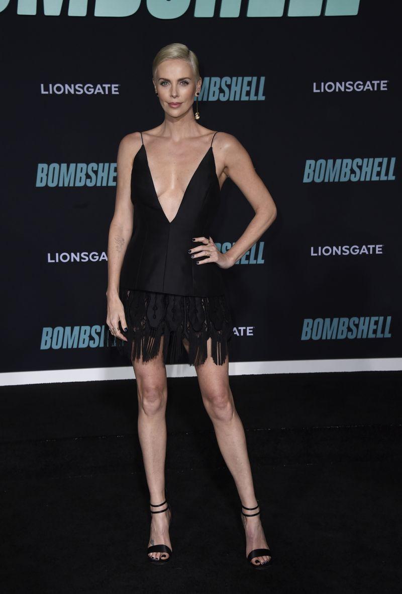 《重磅腥聞》莎莉賽隆(Charlize Theron)、妮可基嫚(Nicole Kidman)及瑪格羅比(Margot Robbie)合體出席首映
