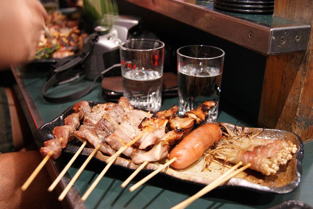 屋台料理 (Photo by Jacklee., License: CC BY-SA 3.0, Wikimedia Commons提供)