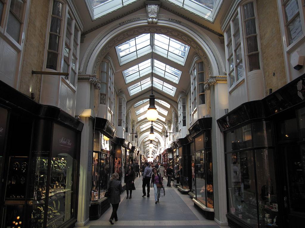伯林頓拱廊街 (Photo by Gryffindor, License: CC BY-SA 3.0, Wikimedia Commons提供)