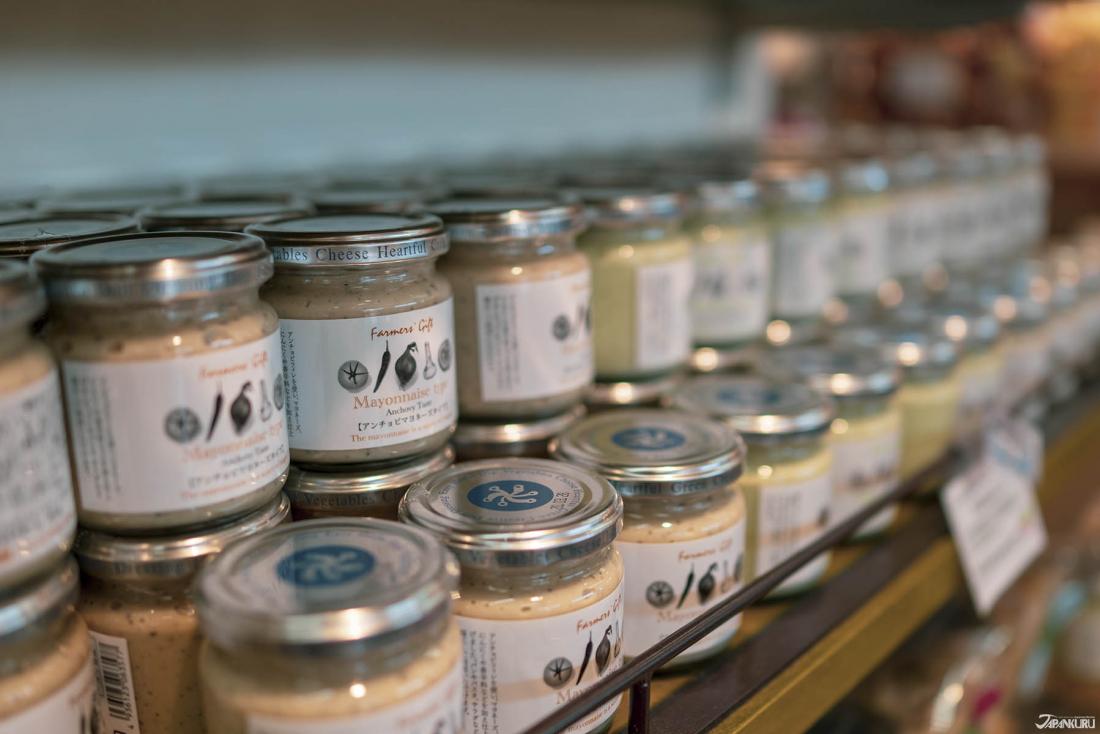 店內各式各樣不同的醬料,買來送給喜歡料理的朋友,感覺好看又實用。