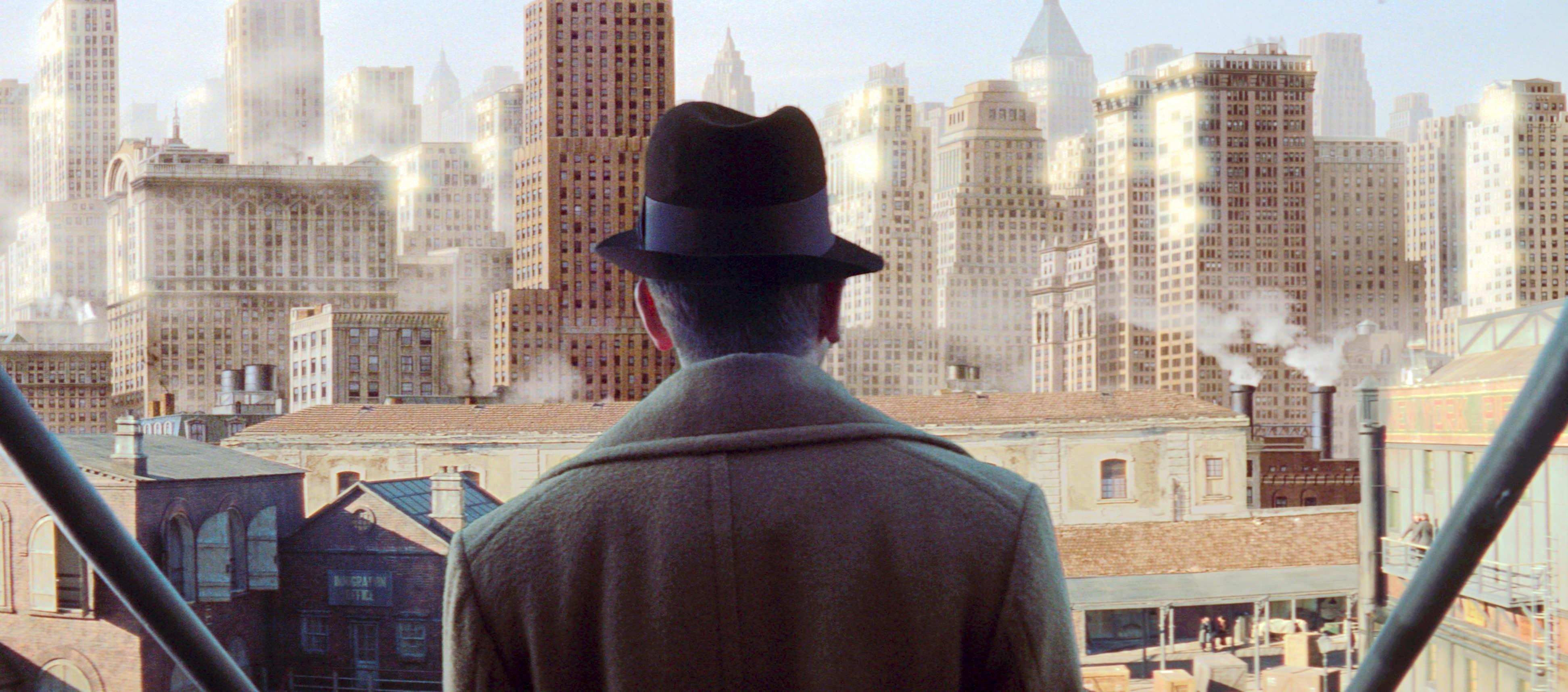 《海上鋼琴師》,描述「1900」以海為家,一生都不曾踏上陸地。他為琴師女兒潘朵安興起上岸念頭;卻在目睹一望無際的城市高樓陷入躊躇…
