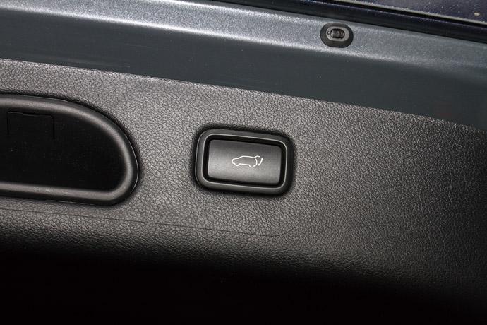 具備記憶功能的電動感應尾門。版權所有/汽車視界