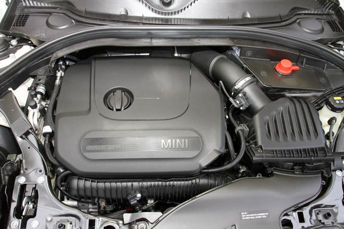 採1998c.c. L4雙渦輪增壓,最大動力達192hp/28.5kgm。版權所有/汽車視界