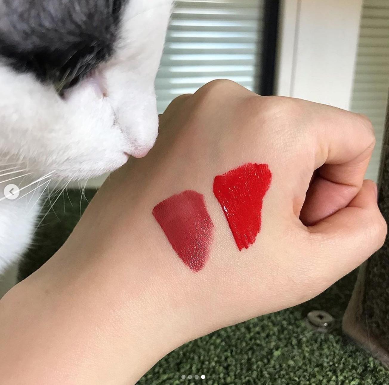 如微刺青般輕薄,長時間服貼,使唇彩持久、極度顯色
