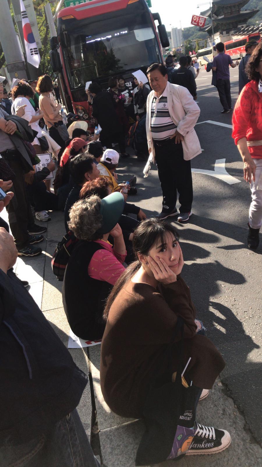 ▲這次旅途遇上抗議活動,讓瑤瑤留下難忘經驗。