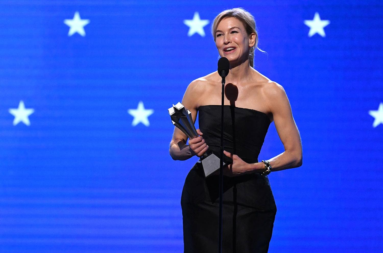 芮妮齊薇格在廣播影評人協會獎的頒獎典禮上感性致詞