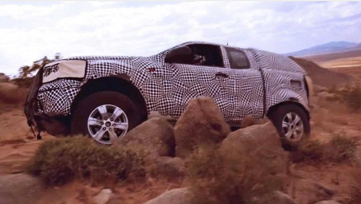 從預告片登場看來,突如其來的大碎石,基本都是難不倒 Bronco 越野適應力。