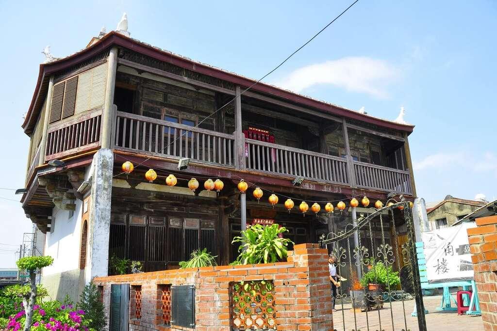 八角樓於清朝時期建造,過去為葉家大宅的一部分,是鹽水區的代表性地標之一。圖/台南旅遊網