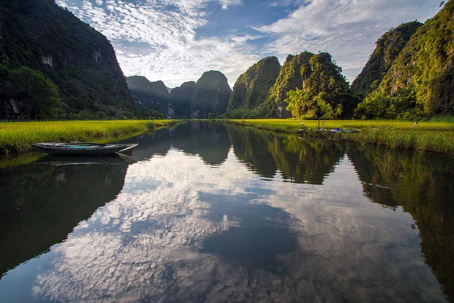寧平 (Photo by Hoang Giang Hai, License: CC BY 2.0, 圖片來源www.flickr.com/photos/v-a-k/8756354342)