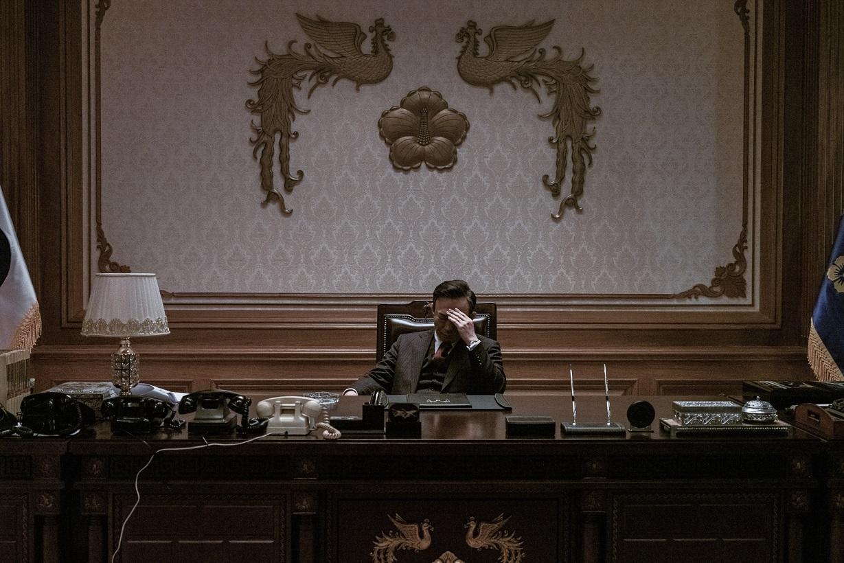 李星民劇中飾演朴正熙總統 相似程度令觀眾驚訝不已