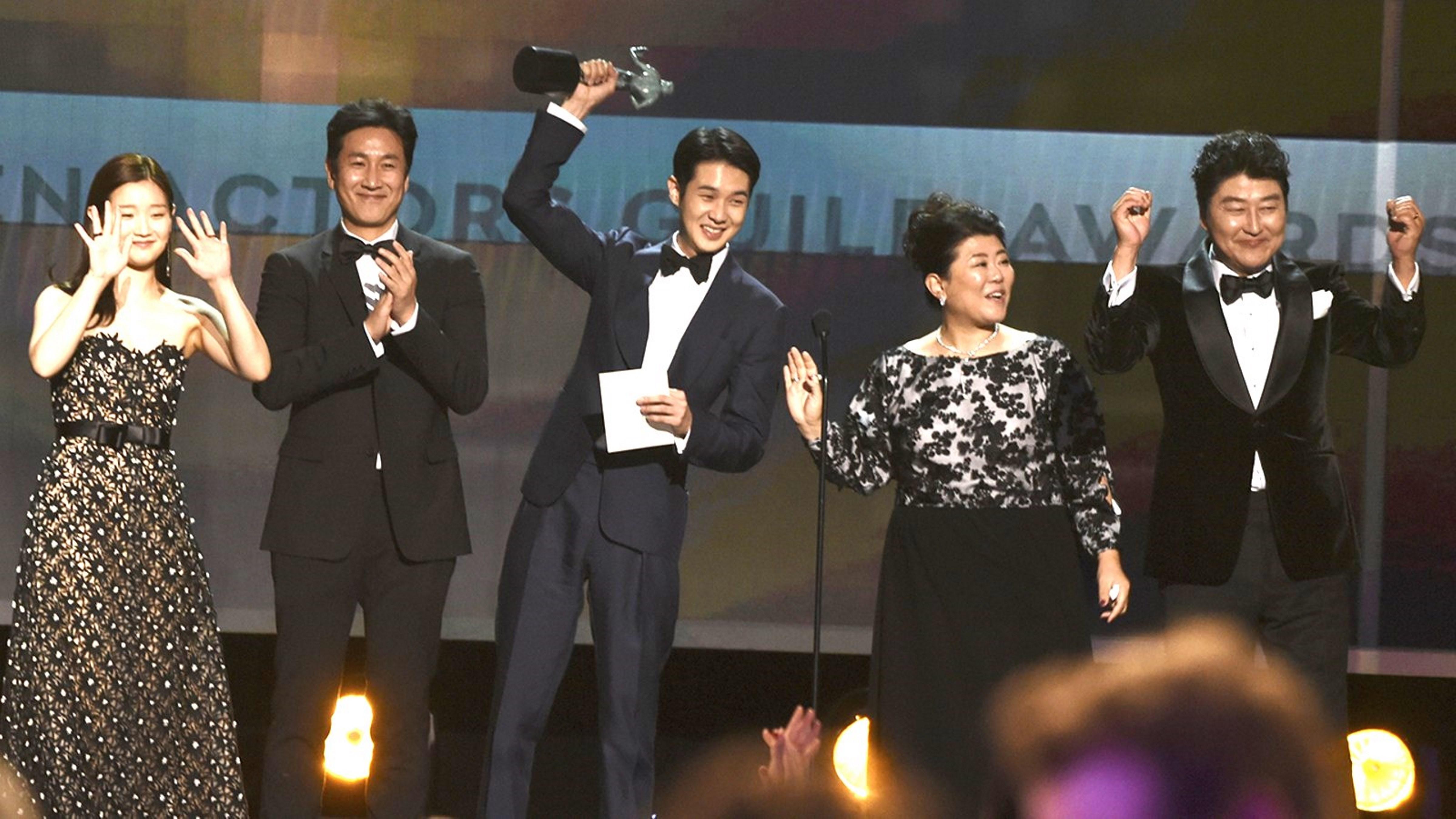 《寄生上流》再破紀錄 榮獲美國演員工會最佳整體演出大獎
