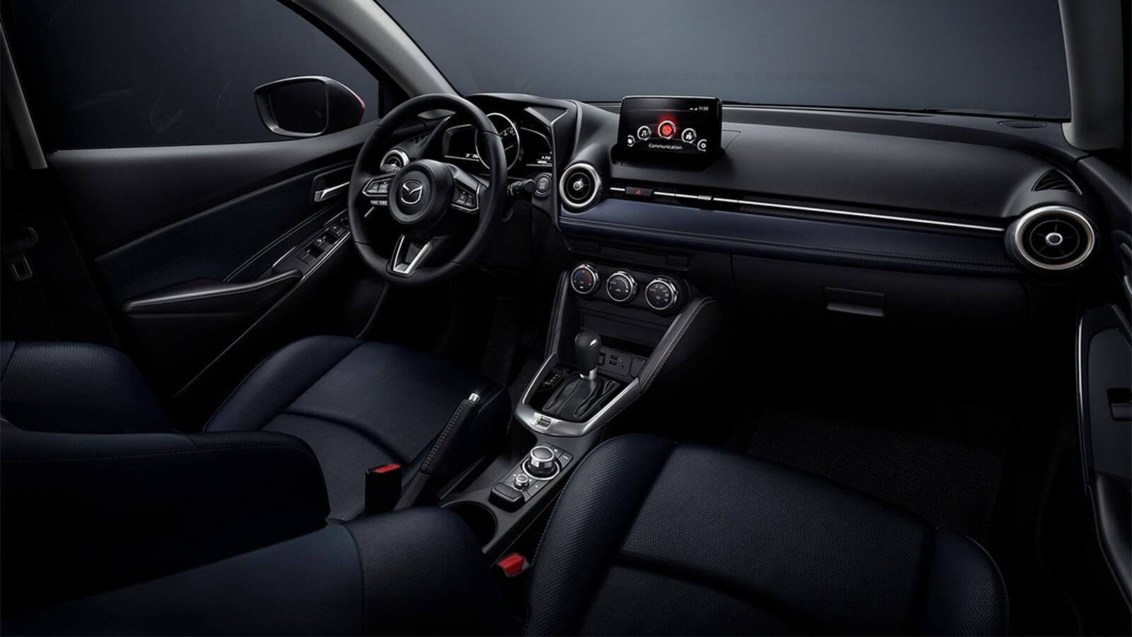 圖/2020 Mazda 2 1.5旗艦安全型內裝導入「SKYACTIV-VEHICLE ARCHITECTURE」概念,將座椅骨架重新設計,創造出更優異的背部與腿部支撐性。