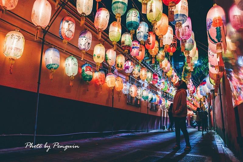 府城成功燈會於12月底點亮,多達1500個燈籠散發暈黃光澤,蔚為壯觀。圖/網友投稿-企鵝