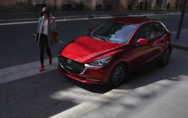 日媒表示大改款 Mazda 2 將會有更侵略性的外觀。圖為小改款車型。