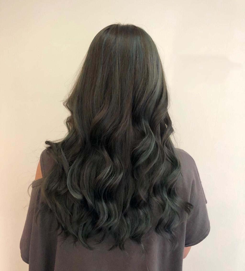 想展現低調細緻的髮色變化,就要選歐美挑染雪松灰綠!