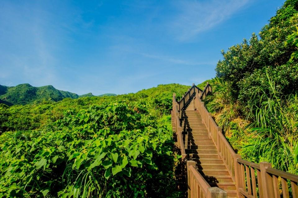 南子吝步道全長不到一公里,可將360度無死角的無敵海景盡收眼底。圖/東北角暨宜蘭海岸國家風景區